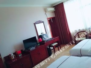 安龍伊留大酒店
