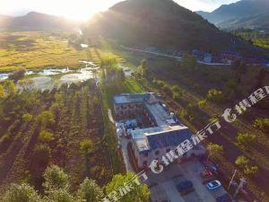 瀘沽湖兮玥濕地景觀酒店