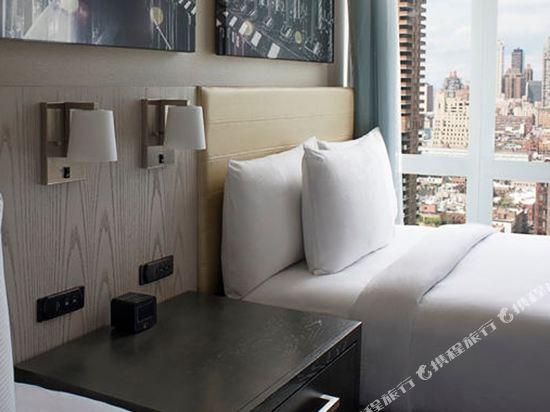 紐約時代廣場西希爾頓逸林酒店(Doubletree by Hilton New York Times Square West)河景豪華轉角上城區兩張大床房