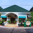 瑞格咖尼斯酒店(Hotel Rengganis)