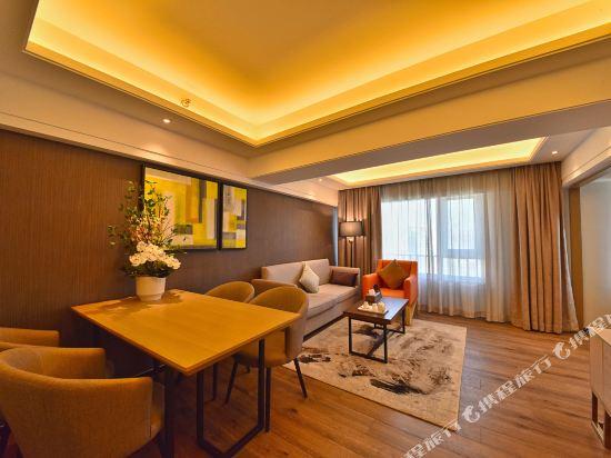 港潤寓上江灣公寓(廣州沿江天字碼頭店)(原江灣大酒店)(Gangrun Yushang Jiangwan Apartment (Guangzhou Yanjiang Tianzi Wharf))豪華城景套房一房一廳