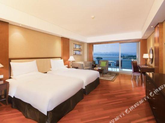 千島湖綠城度假酒店(1000 Island Lake Greentown Resort Hotel)三號樓高級湖景雙床房