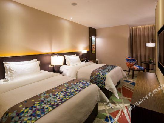 ZMAX潮漫酒店(佛山千燈湖店)(Zmax Hotel (Foshan Qiandeng Lake))Z豪華雙床房