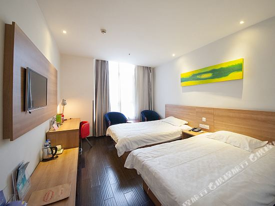 Motel 168 (Haimen Dieshiqiao International Textile City)