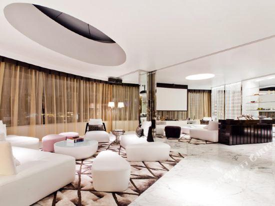 曼谷W酒店(W Bangkok Hotel)頂級驚喜套房