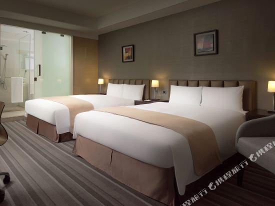 高雄商旅(Urban Hotel 33)時尚館時尚家庭四人房