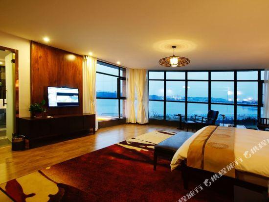 天目湖御湖半島温泉酒店(The Peninsula of Royal Lake Hotels)豪華湖景大床房