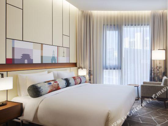首爾明洞雅樂軒酒店(Aloft Seoul Myeongdong)Breezy特大床套房