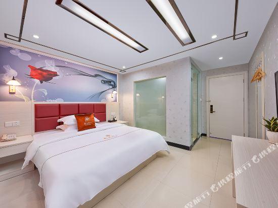 維也納斯酒店·精選(廣州新白雲國際機場店)(Wei Ye Na Si & Hotel (Guangzhou New Baiyun International Airport))尊享大床房