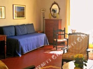 朋西歐尼里娜香特酒店(Pensione Rinascente)