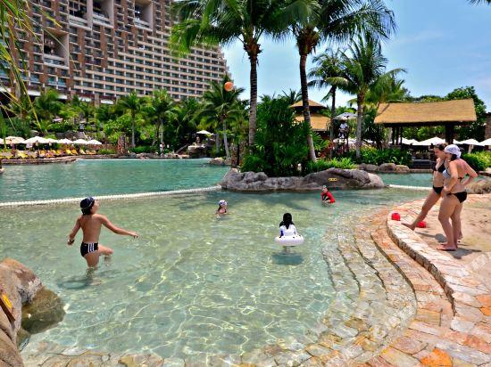盛泰瀾幻影海灘度假村(Centara Grand Mirage Beach Resort Pattaya)室外游泳池