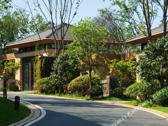 七彩雲南古滇温泉山莊(Pu Wood Hotspring House)山海居兩房温泉別墅