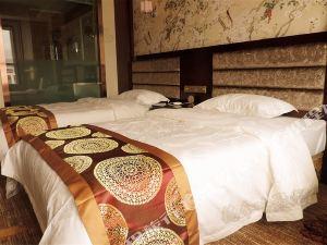 德令哈聚龍酒店