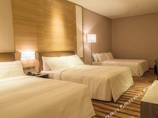 城市商旅(高雄真愛館)(City Suites Kaohsiung ChenAi)精緻六人房