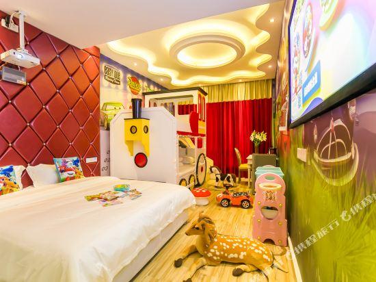 鮮住精品主題酒店(廣州野生動物園店)(原大石地鐵站店)(Xianzhu Boutique Theme Hotel (Guangzhou Wildlife Zoo))白雪公主雙床房