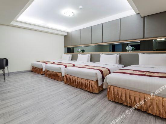 高雄首福大飯店(Harmonious Hotel)首福套房4人房