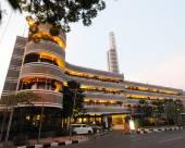 比達喀爾拉大薩沃伊霍曼酒店