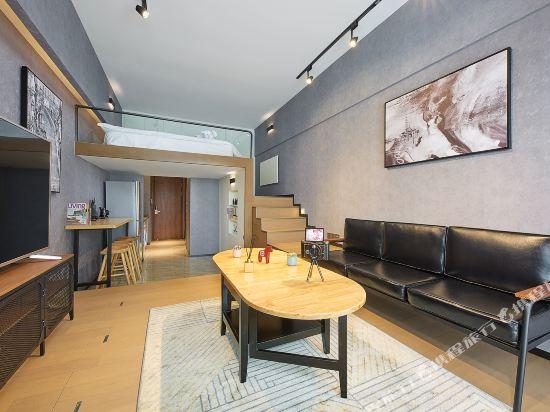 星倫國際公寓(廣州琶洲會展中心店)(Xinglun International Apartment (Guangzhou Pazhou Exhibition Center))復古工業風大床房