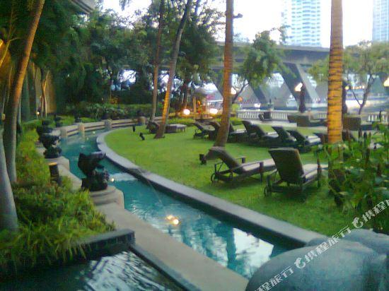 曼谷香格里拉酒店(Shangri-La Hotel Bangkok)院子
