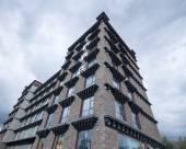 蘭歐酒店(稻城濱河路店)