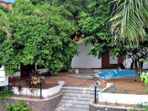 厄爾尼諾維赫羅亞松森旅館及套房