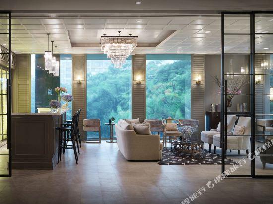 曼谷東方酒店(Oriental Residence Bangkok)酒吧