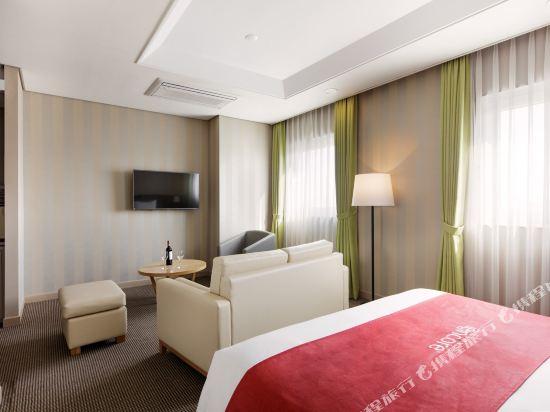 首爾東大門華美達安可酒店(Ramada Encore by Wyndham Seoul Dongdaemun)尊貴大床房