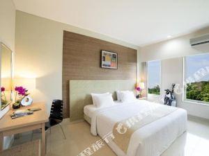民丹島高爾夫別墅酒店