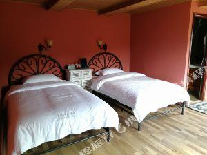 布爾津禾木鹿野鄉村旅館
