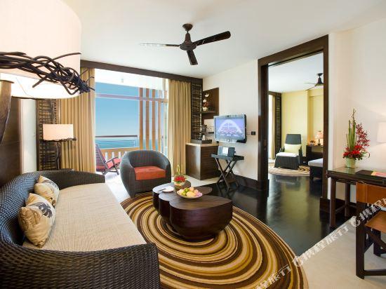 盛泰瀾幻影海灘度假村(Centara Grand Mirage Beach Resort Pattaya)Club Mirage Suite living room
