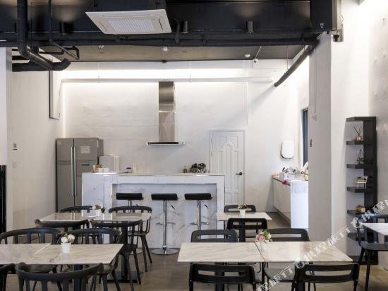 帆布旅舍(Canvas Hostel)餐廳