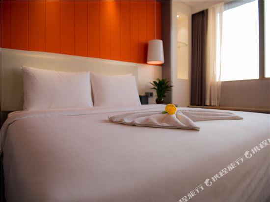 世紀星連鎖艾尚酒店(佛山國際傢俱城店)(Aishang Hotel (Foshan International Furniture City))時尚大床房