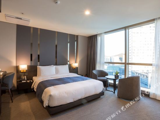 森圖姆尚品酒店(Centum Premier Hotel)行政大床房