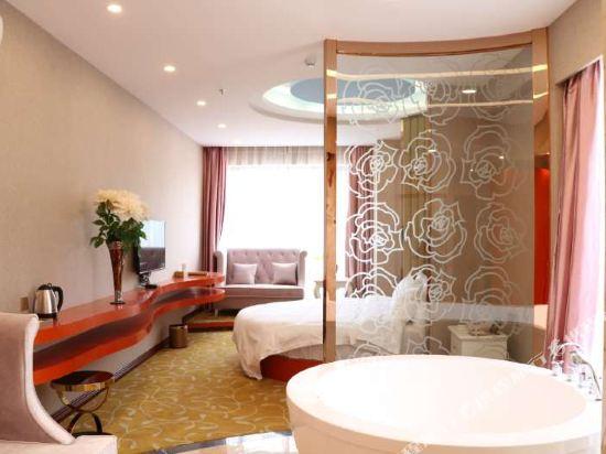 中山富業假日酒店(原榮光假日酒店)(Fuyue Holiday Hotel)温馨圓床房