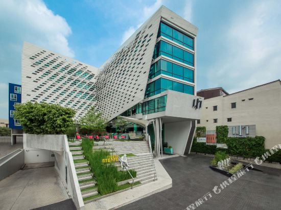 曼谷利特酒店(LiT BANGKOK Hotel)外觀