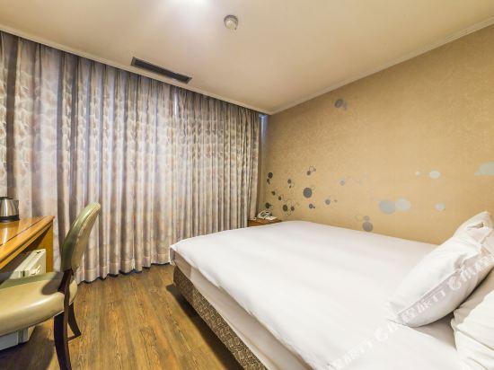 東大門域多利酒店(Victoria Hotel Dongdaemun)標準大床房