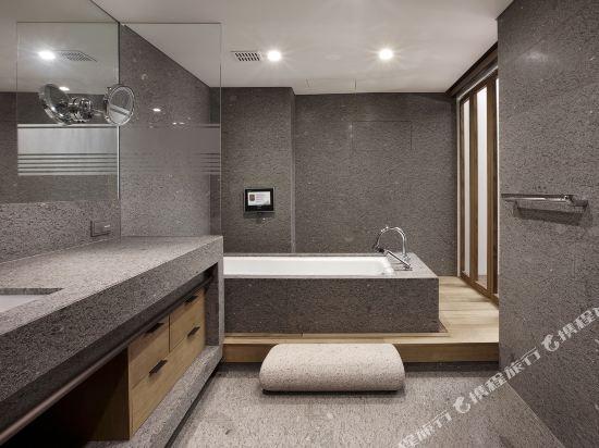 首爾威斯汀朝鮮酒店(The Westin Chosun Hotel Seoul)翻新套房