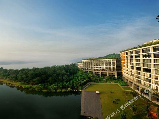 溧陽涵田度假村酒店(Hentique Resort & Spa)湖景大床房