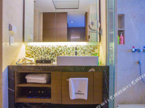 星倫保利中匯國際公寓(廣州火車東站店)(原倫凱保利國際公寓)豪華大床房