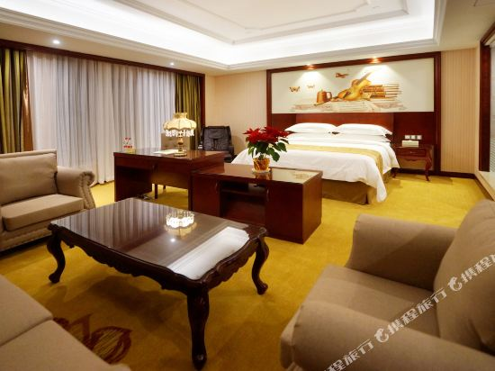 維也納國際酒店(上海浦東機場自貿區店)(Vienna International Hotel (Shanghai Pudong Airport Free Trade Zone))行政套房