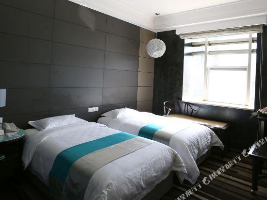 昆明荷泰花園酒店(Herton Garden Hotel)商務雙床房