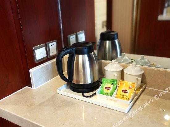 維也納國際酒店(上海浦東機場自貿區店)(Vienna International Hotel (Shanghai Pudong Airport Free Trade Zone))標準大床房