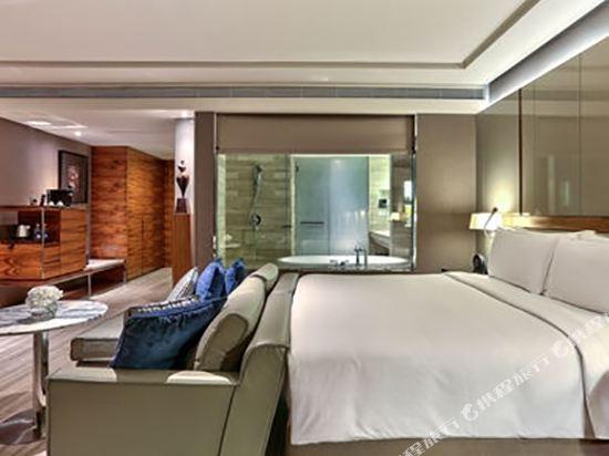 曼谷素坤逸希爾頓酒店(Hilton Sukhumvit Bangkok)精緻特大床套房