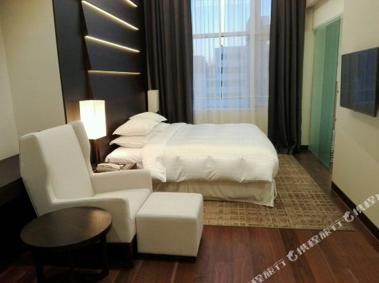 首爾喜來登帕拉斯江南酒店(Sheraton Seoul Palace Gangnam Hotel)豪華特大床房