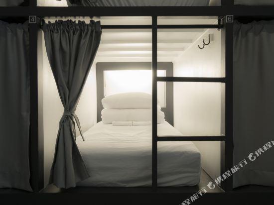 帆布旅舍(Canvas Hostel)4人男生宿舍(一張床位)