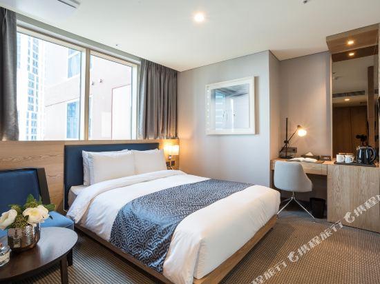 森圖姆尚品酒店(Centum Premier Hotel)城景高級大床房
