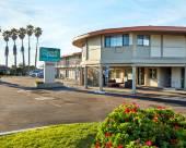金沙海汽車旅館