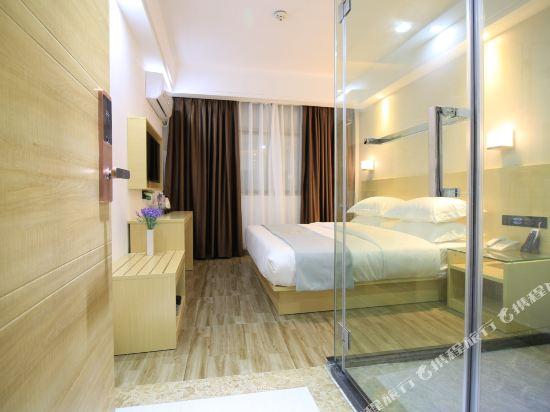 佰曼萊酒店·精選(廣州新白雲國際機場旗艦店)(Baimanlai Hotel Selected (Guangzhou New Baiyun International Airport))豪華大床房
