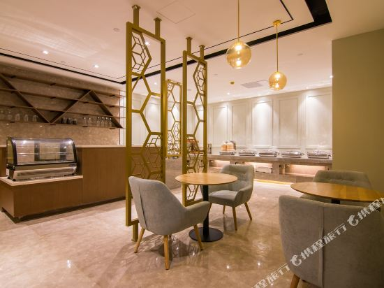和頤至尊酒店(上海南京西路地鐵站店)(Yitel Premium (Shanghai Jing'an Nanjing West Road))餐廳