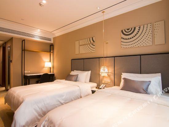 和頤至尊酒店(上海南京西路地鐵站店)(Yitel Premium (Shanghai Jing'an Nanjing West Road))至尊雙床房(無窗)